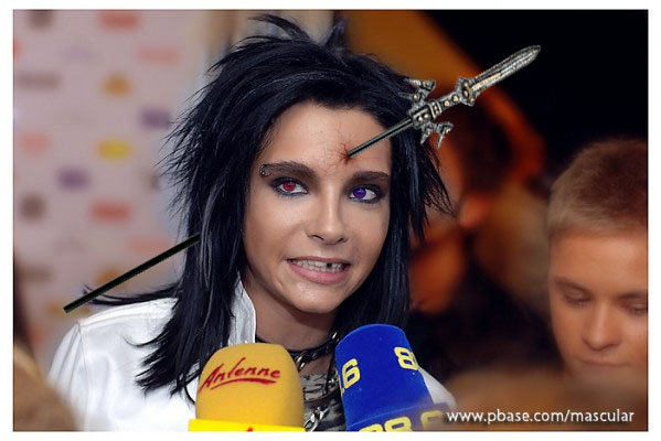 Photoshop singer of tokio hotel >=(