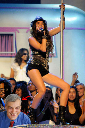 Miley Cyrus Pole Dancing Xd