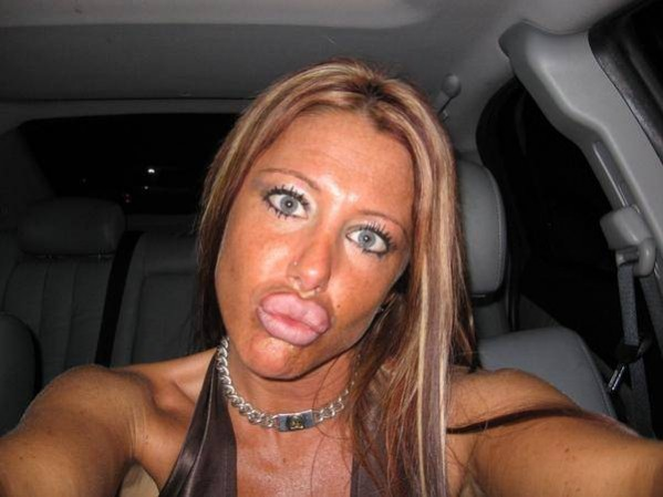 This is the ugliest woman ever. 2010-04-16 01:21:59 Reply