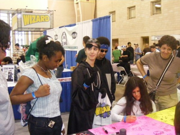 Store Survey, Wizard World Photos