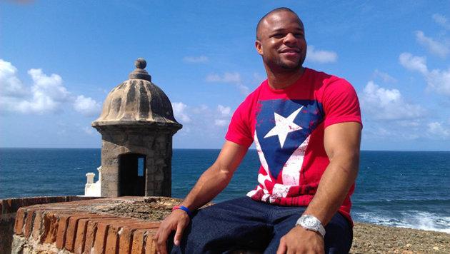 Boxer Omar Henry dies at 25
