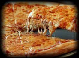 NY pizza vs Chicago pizza.