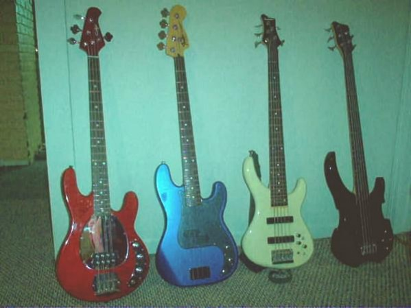 Bass guitar Club