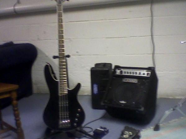 Bass guitar Club