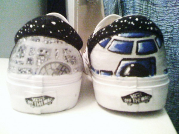 Need hwlp with Star Wars shoes...